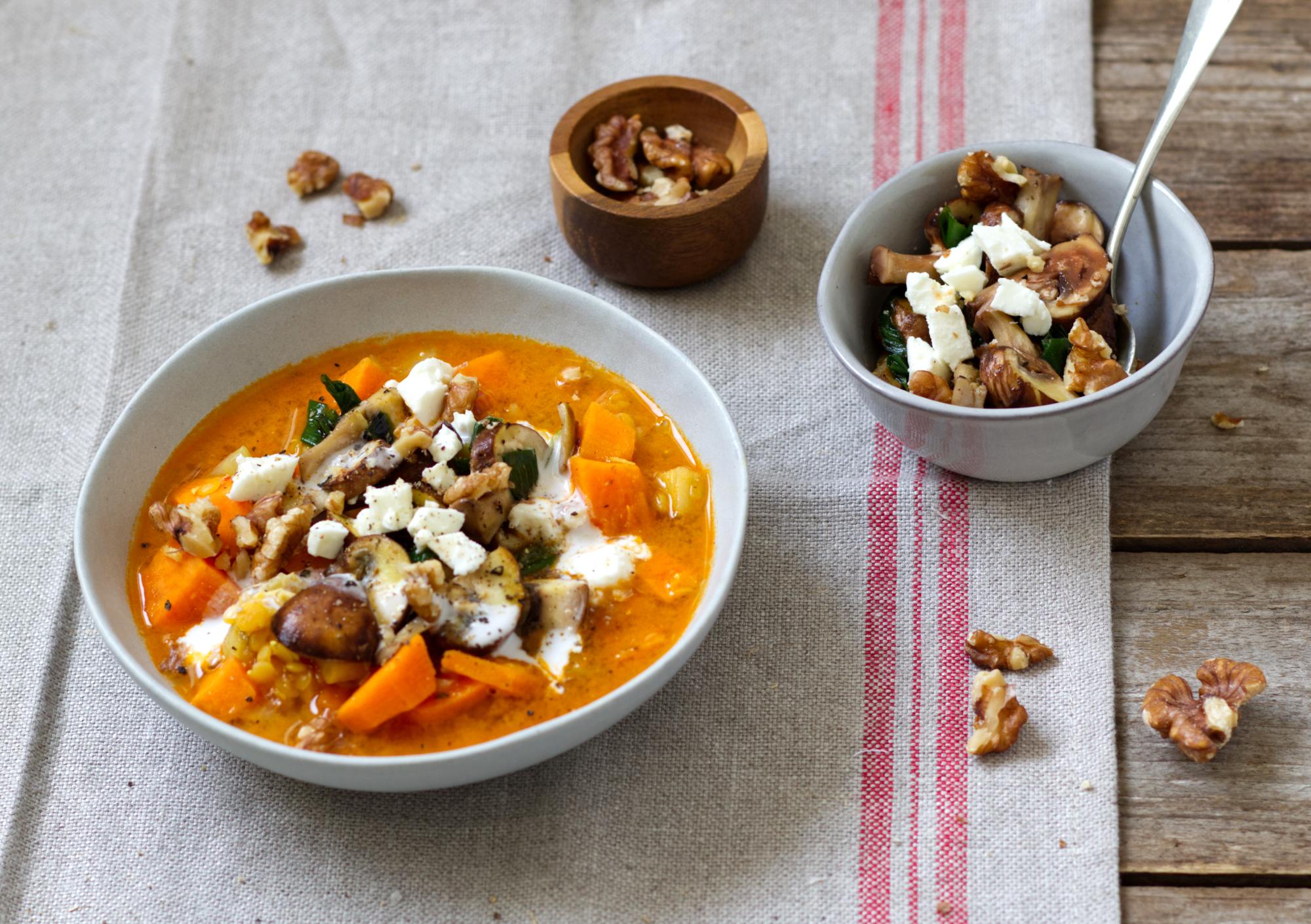 Süßkartoffel-Linsen-Suppe mit Champignons