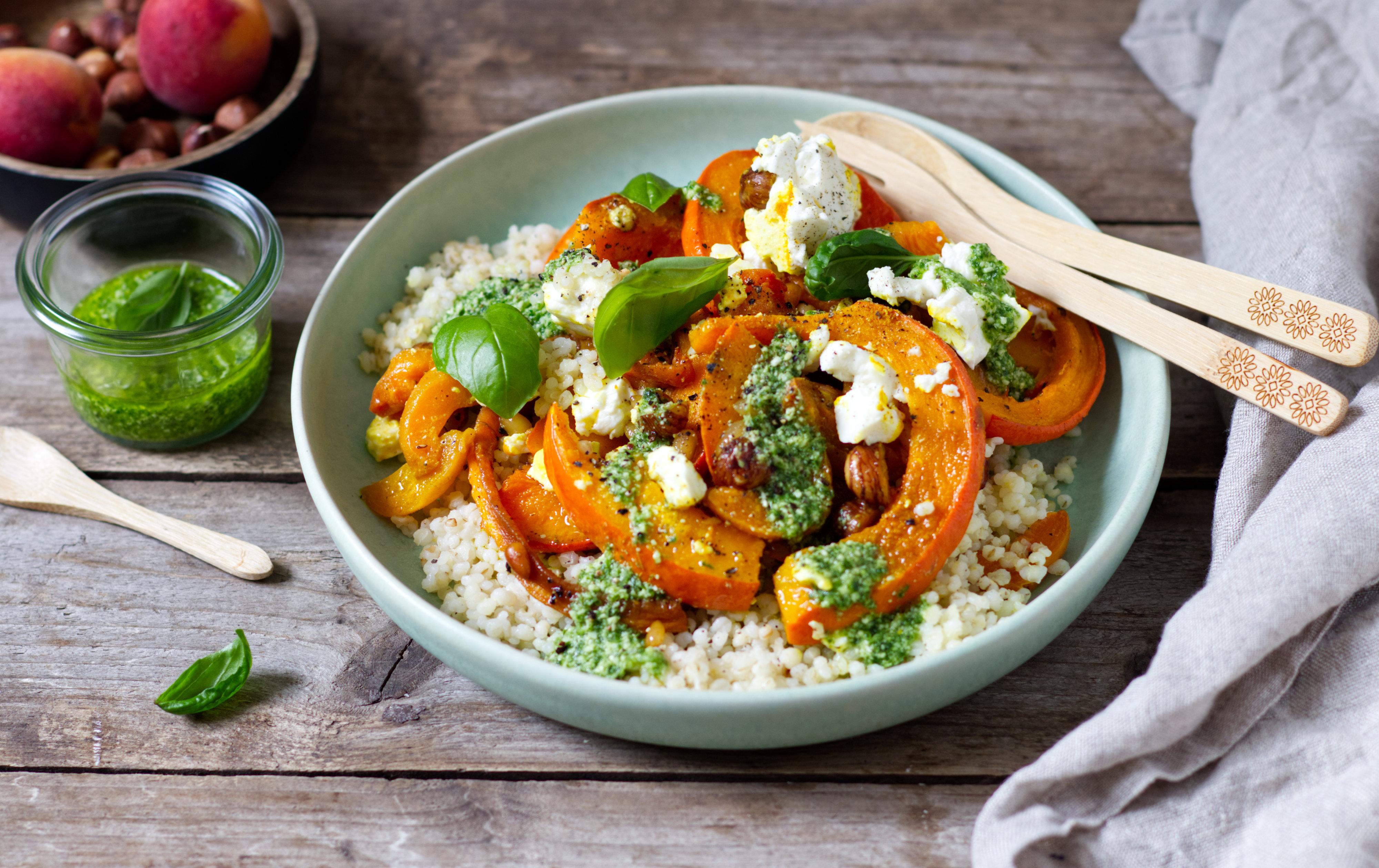 Kürbis-Perlgraupen-Salat mit Aprikosen