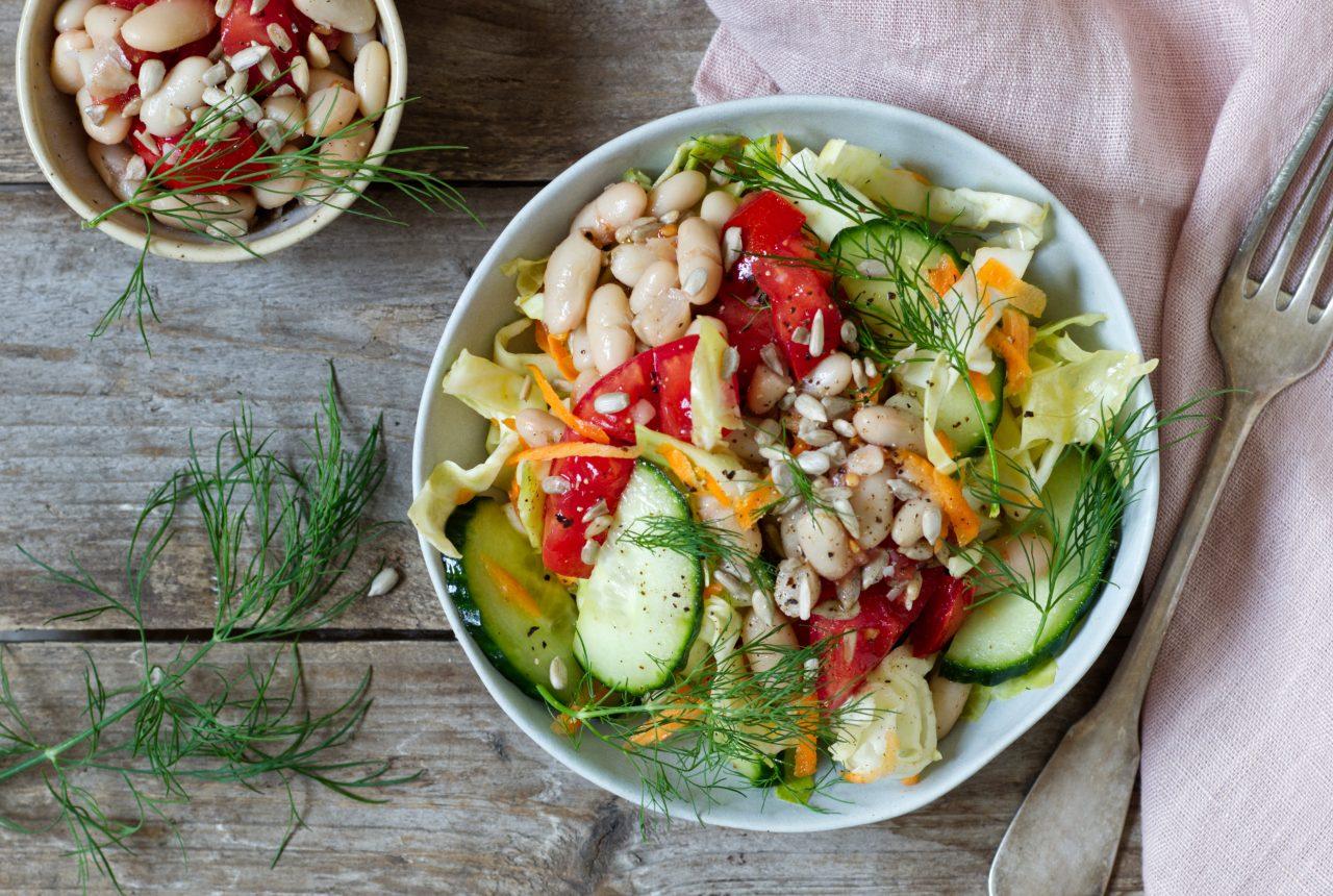 Spitzkohlsalat mit Bohnen