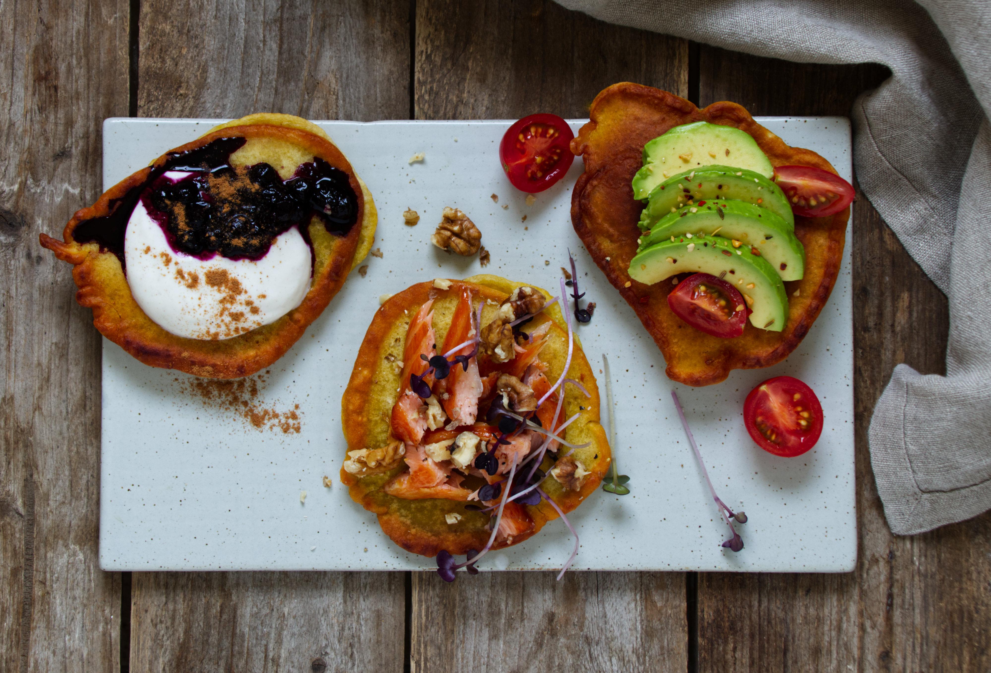 Dinkelpancakes mit verschiedenen Toppings