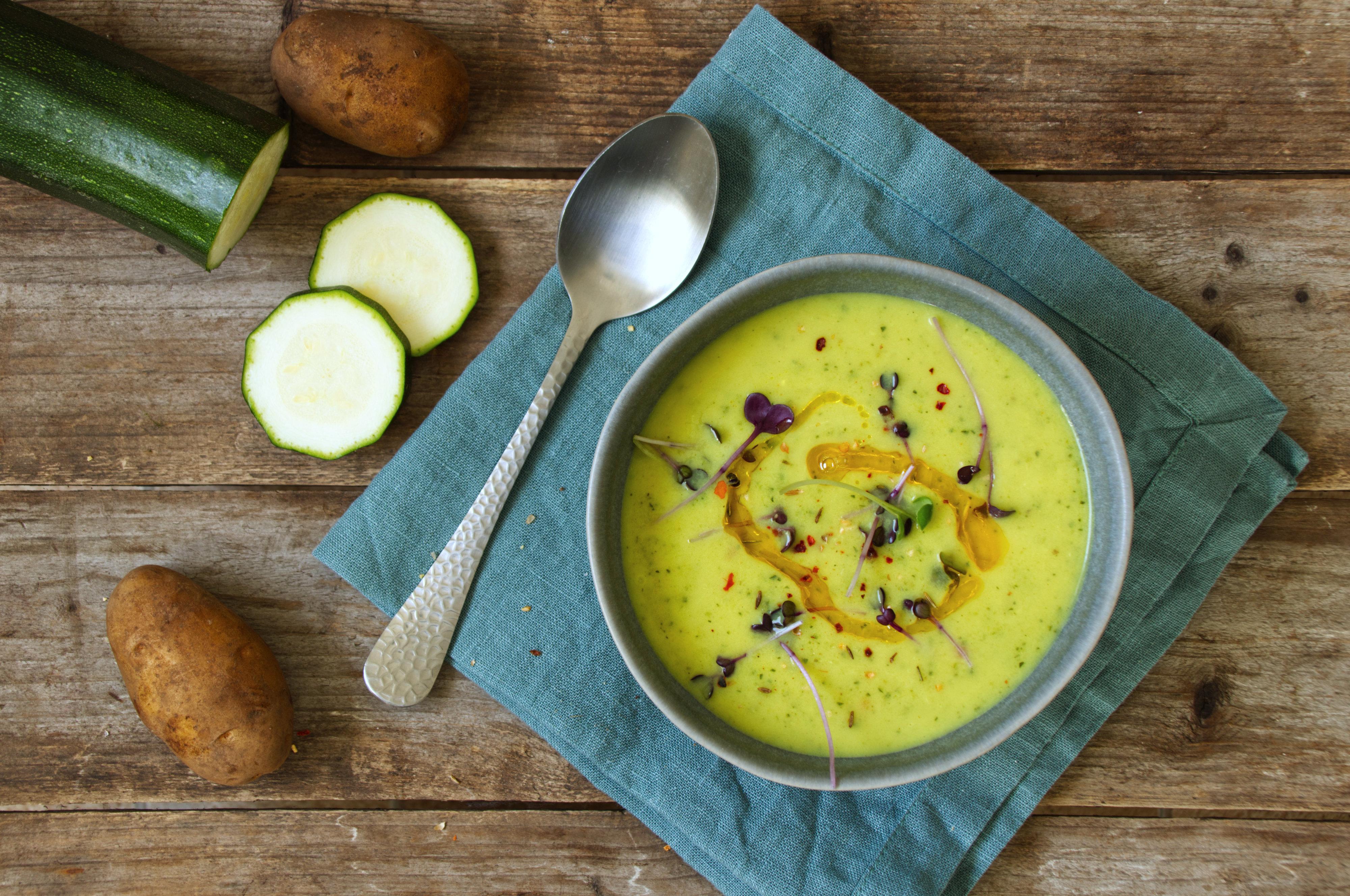 Basische Zucchini-Kartoffel-Suppe