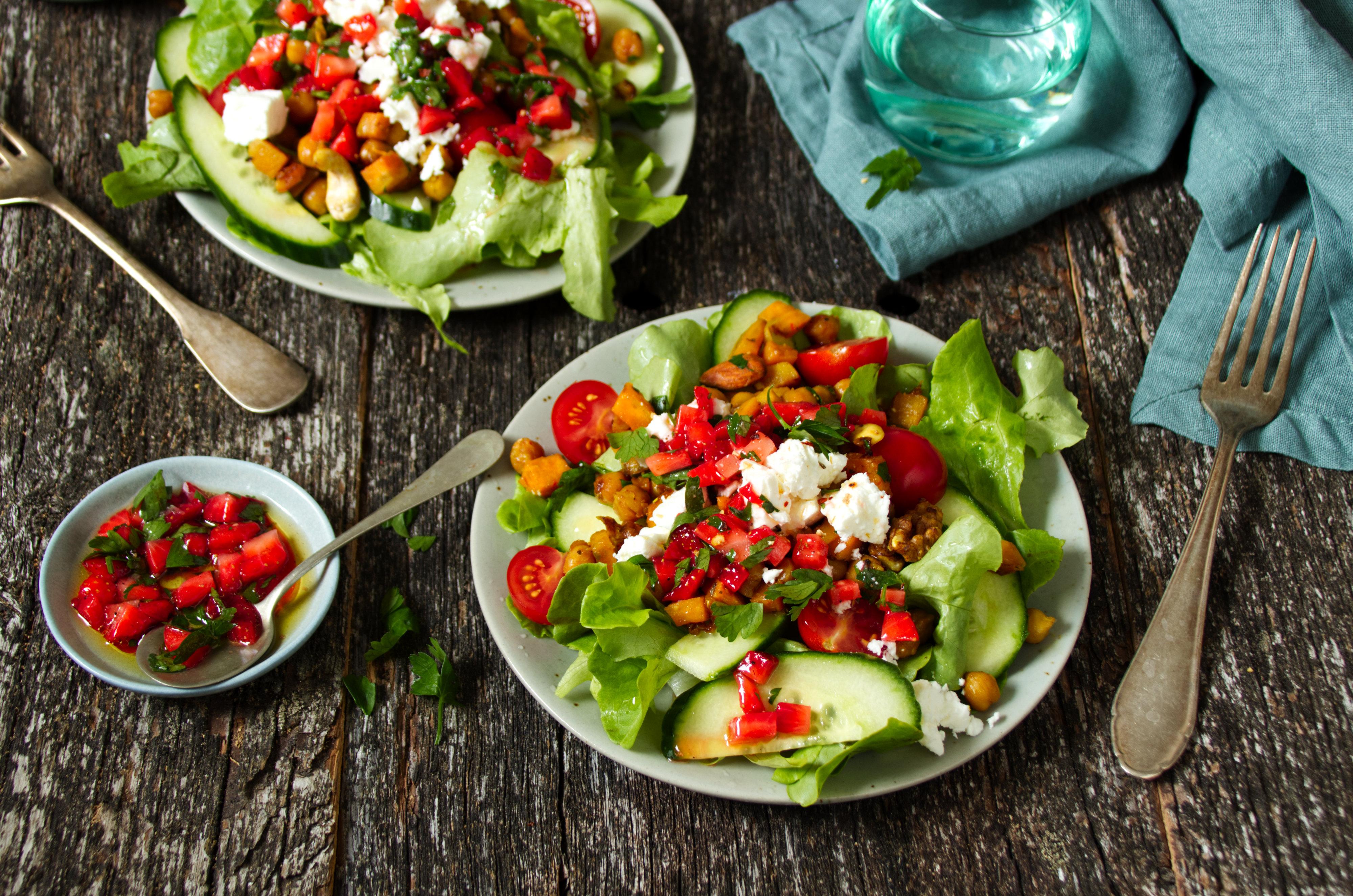 Bunter Salat mit Kichererbsen