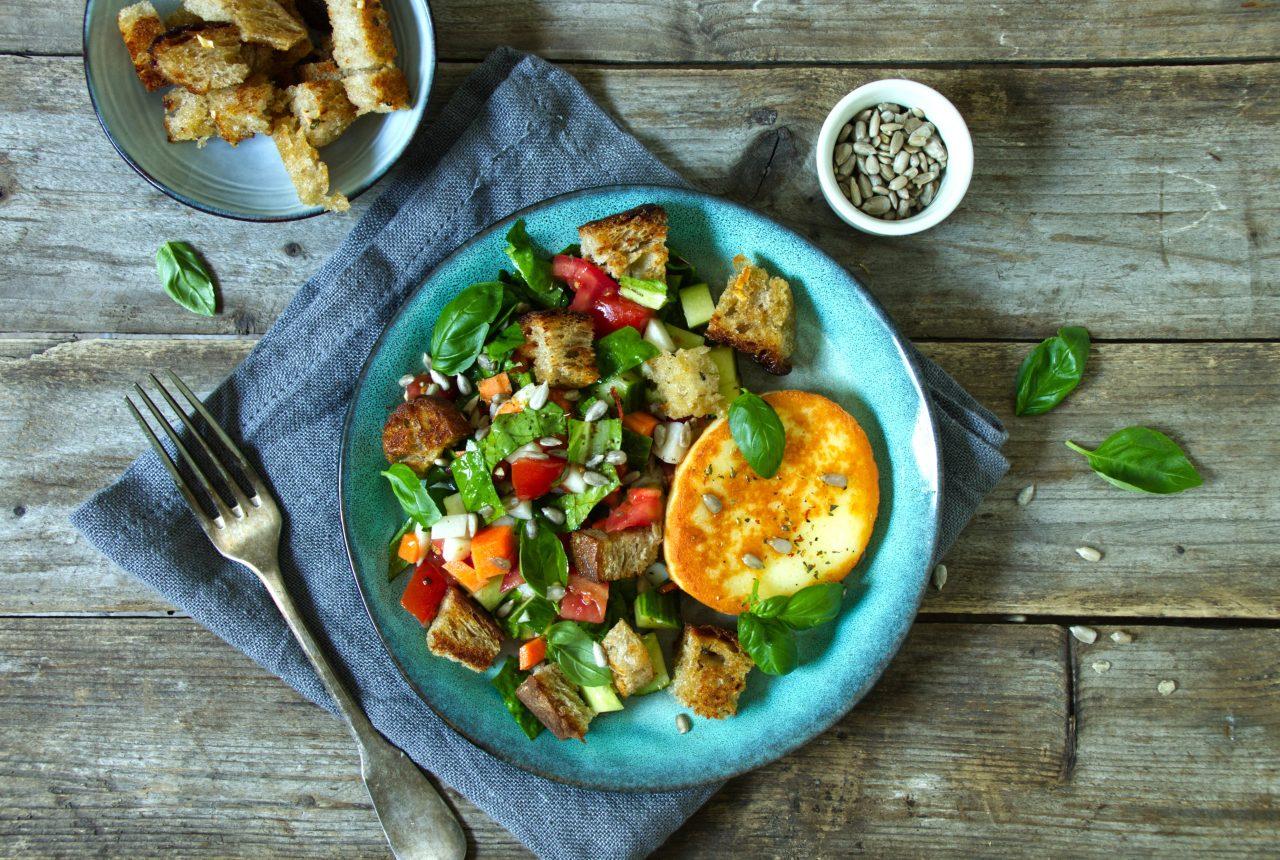 Salat mit Halloumi